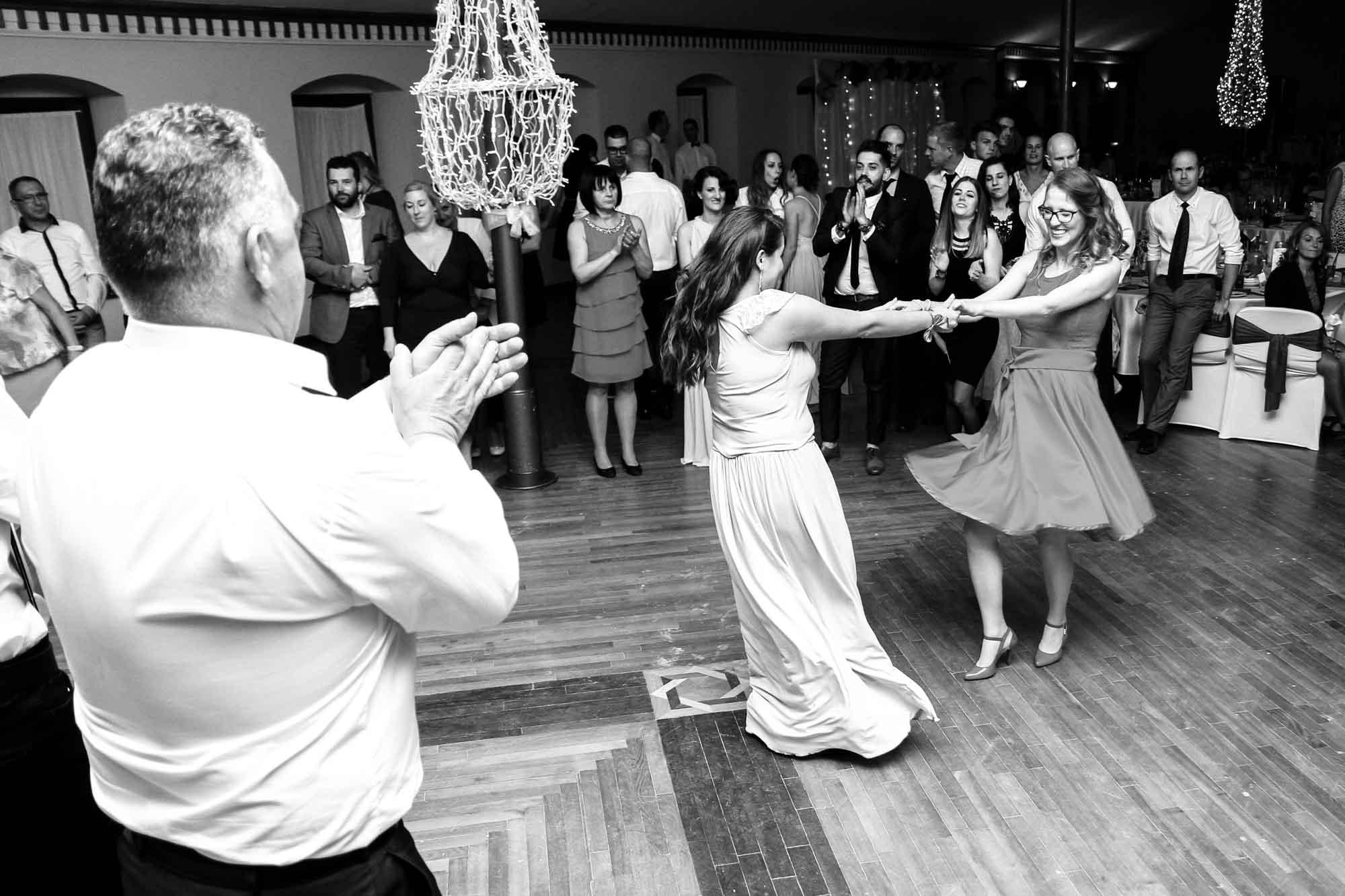 Buli, tánc